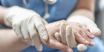 Chirurgia ręki - czym jest i jakie schorzenia pozwala wyleczyć?