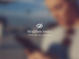 Dr Krzysztof Biegański wykonuje zabieg liposukcji