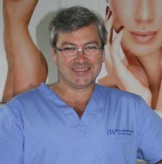 Chirurg plastyczny Artur Broma