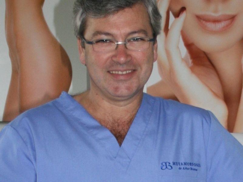 Dr Artur Broma