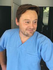 Dr Bartłomiej Zoń