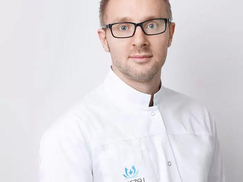 dr n. med. Dominik Ludew