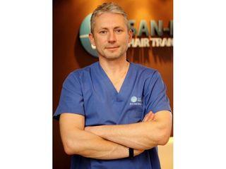 dr Artur Sandelewski