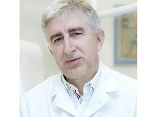 Dr n. med. Konrad Januszek