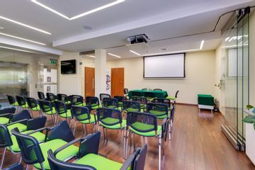 Klinika Chirurgii Mazan - sala konferencyjna