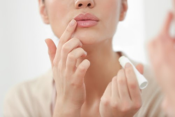 Nawwilżanie ust